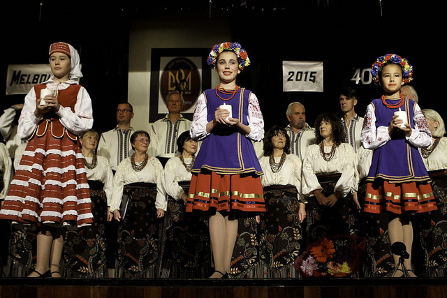 Verchovyna dancers welcome Cheremosh choir